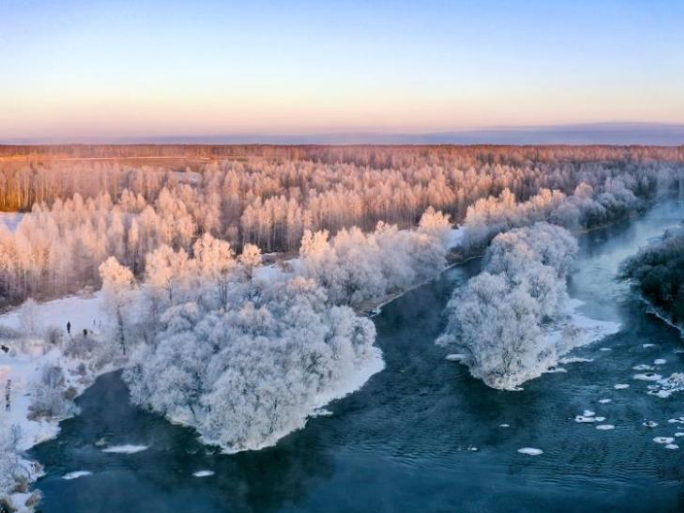 Sparkling rime scenery in northeast China's Heilongjiang Province