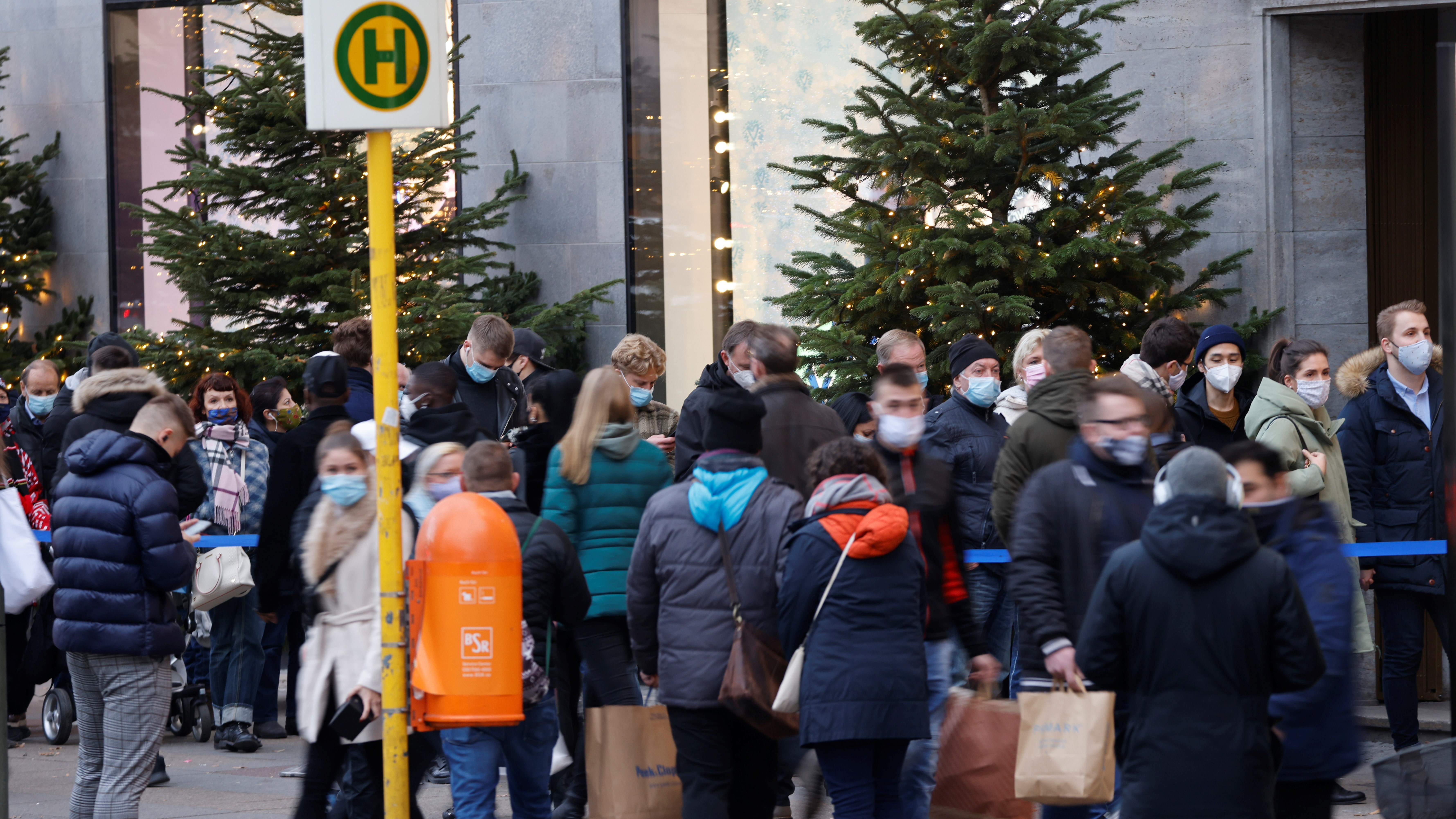 Germany to go back into a hard lockdown over Christmas