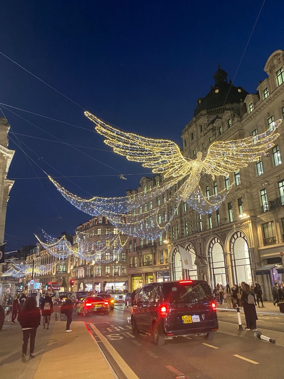 UK PM's refusal of tightening restrictions during Christmas receives mixed reactions