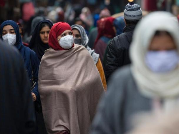 India's coronavirus cases pass 10 million