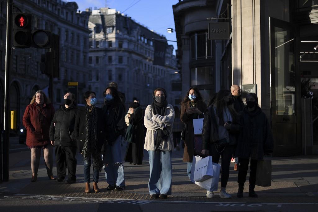 Netherlands bans flights from UK over new coronavirus strain