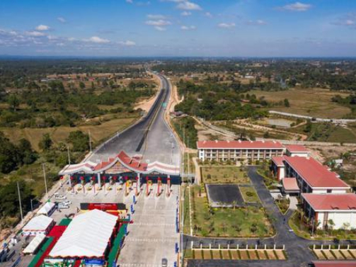 First phase of China-Laos expressway opens to traffic 13 months ahead