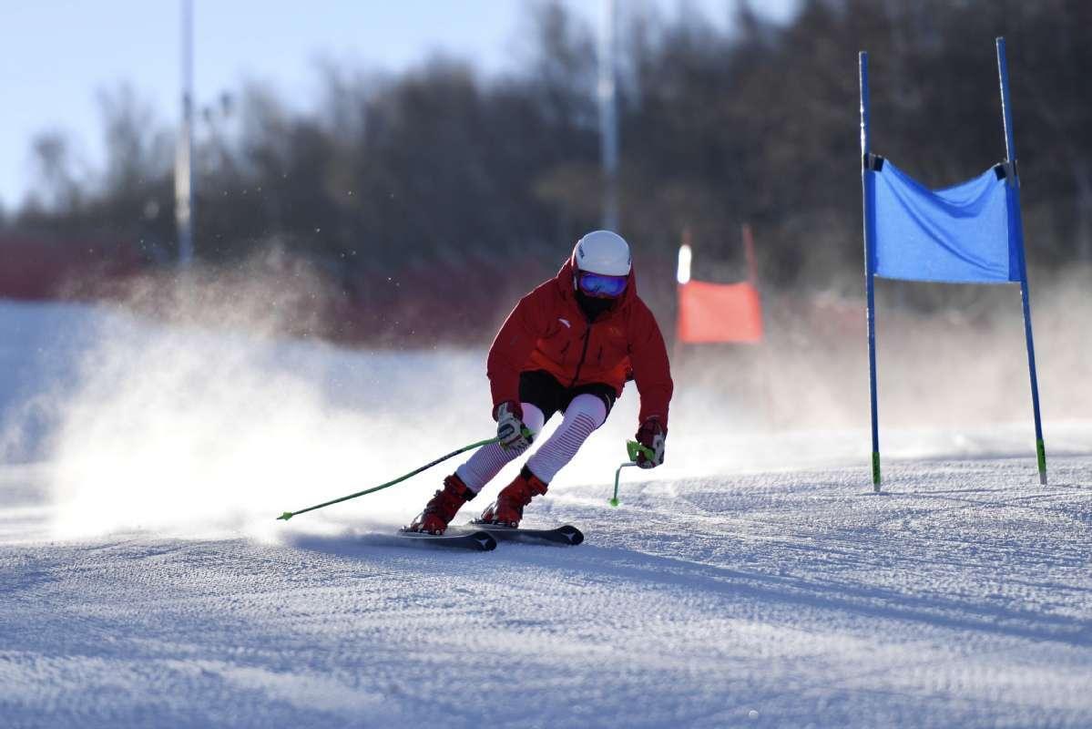 China's national alpine skiing team trains in Chongli, Hebei