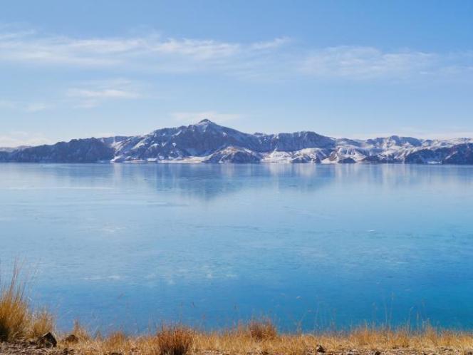 Scenery of Donggi Cona Lake in NW China