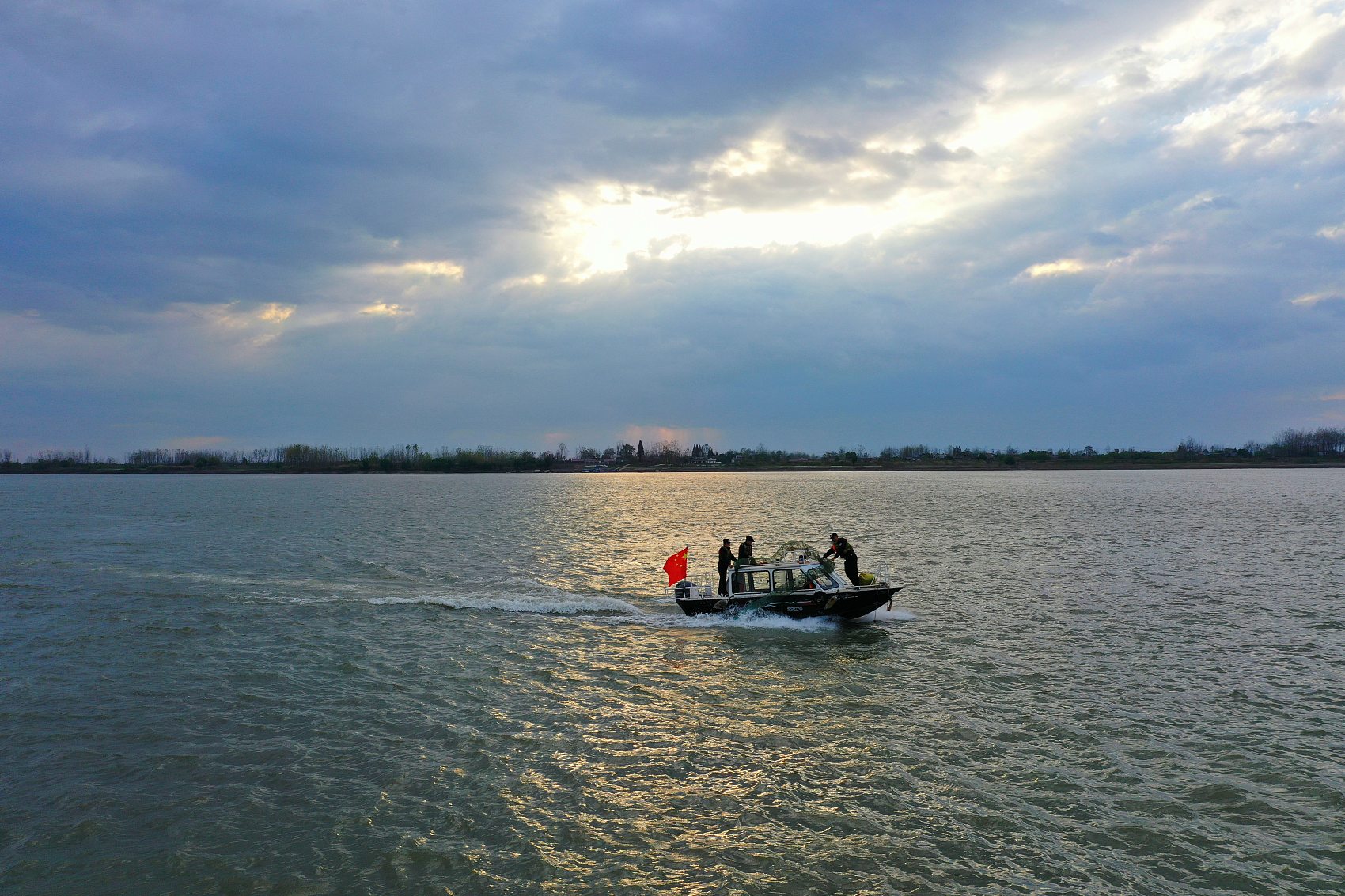 Draft Yangtze conservation law adds stricter fishing ban policies