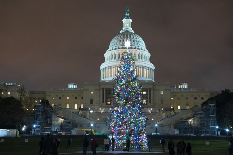US Congress set to approve $900 bn stimulus package
