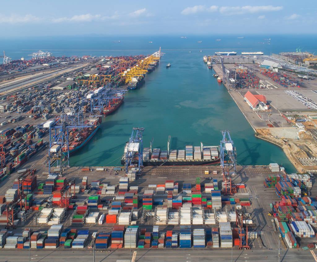 China adjusts tariffs on imported commodities