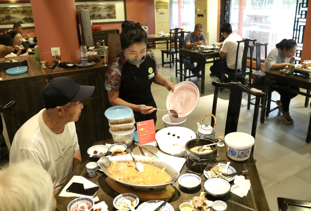 Restaurants may soon face fines for causing food waste