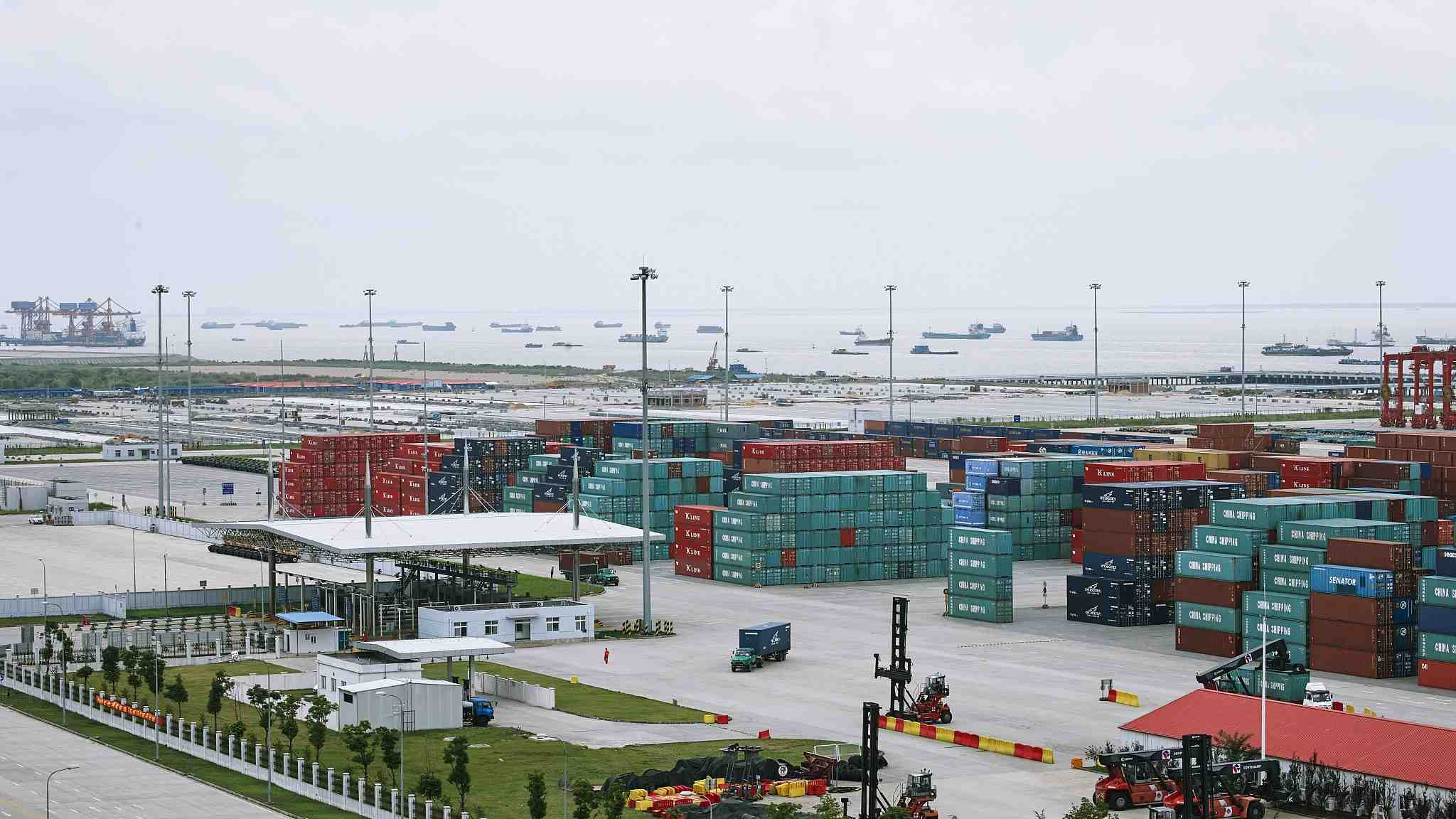 China to adjust tariffs on some products starting January 1