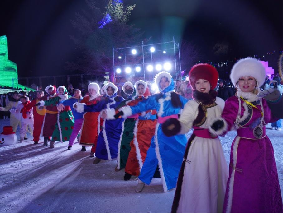 Ice carnival kicks off in Inner Mongolia