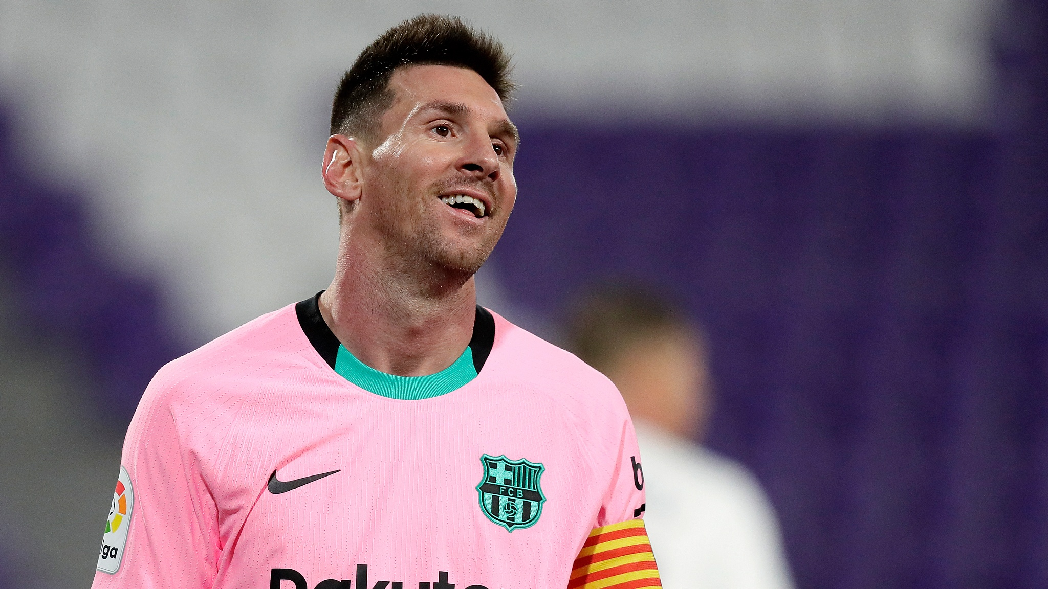 Messi surpasses Pele and leads Barca to victory at Valladolid