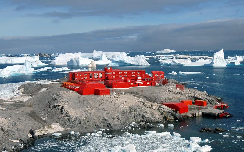 Pandemic reaches Antarctica, last untouched continent