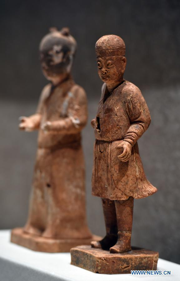 Cultural relics displayed at exhibition in Hainan Museum