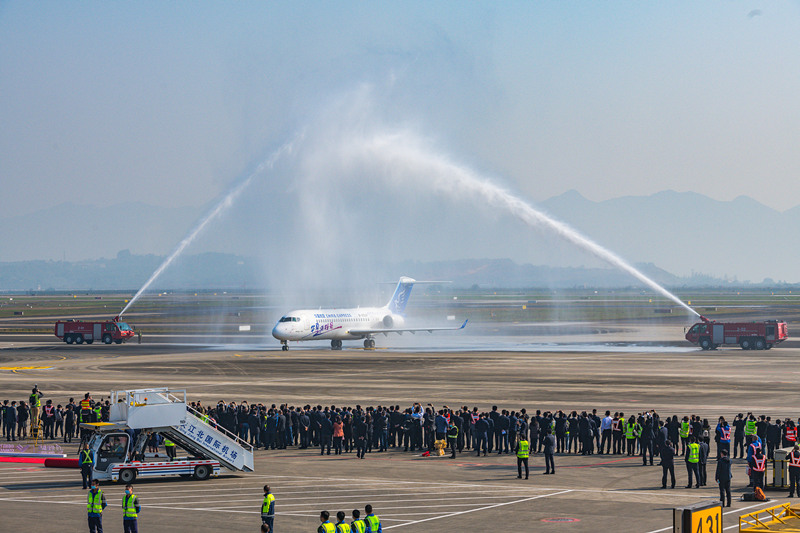 China's ARJ21 jetliner advances in delivery, scale of operation