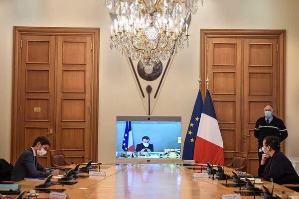 Macron 'no longer shows COVID-19 symptoms'