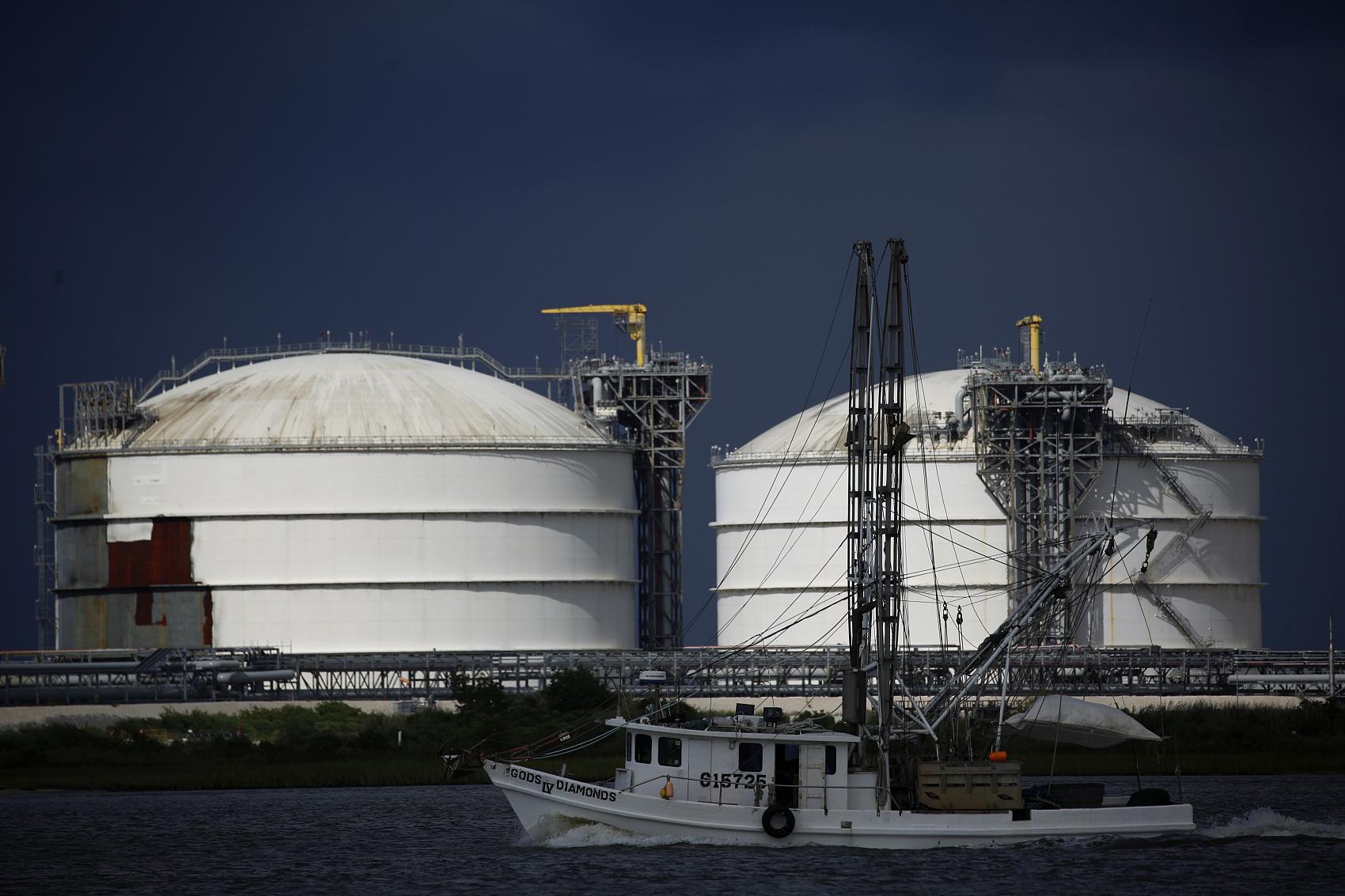 Oil prices climb after UK-EU deal