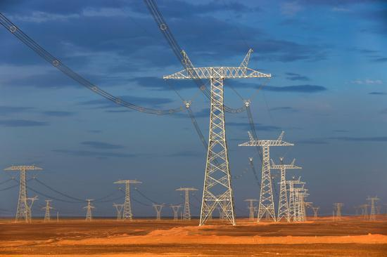 Xinjiang sees annual electricity transmission surpass 100b kWh