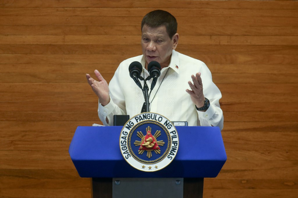 Philippine president signs 93.7 bln USD budget for 2021