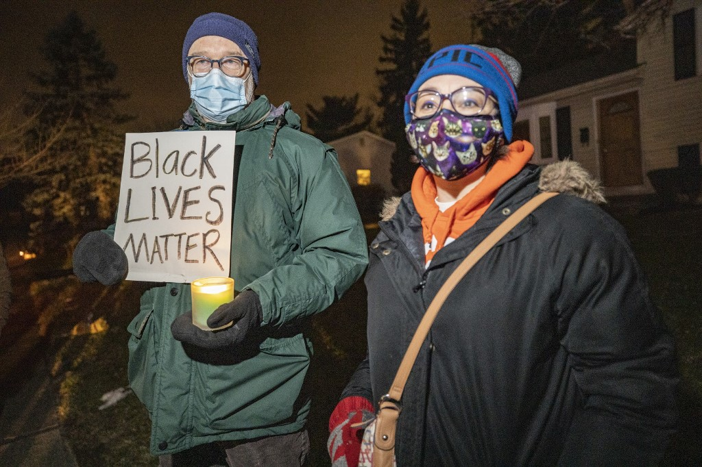 Ohio police officer fired for fatally shooting unarmed black man