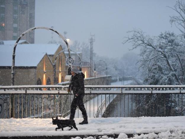 Snowfall hits Milan