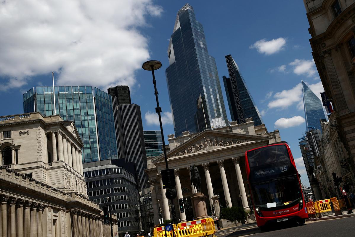 Brexit deal leaves London's financiers in the dark