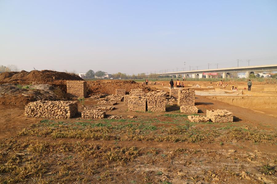 Ruins of 1,800-year-old vessel helps confirm imperial tomb in central China