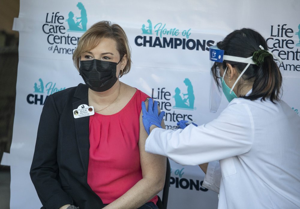 US suffers deadliest month for coronavirus in December