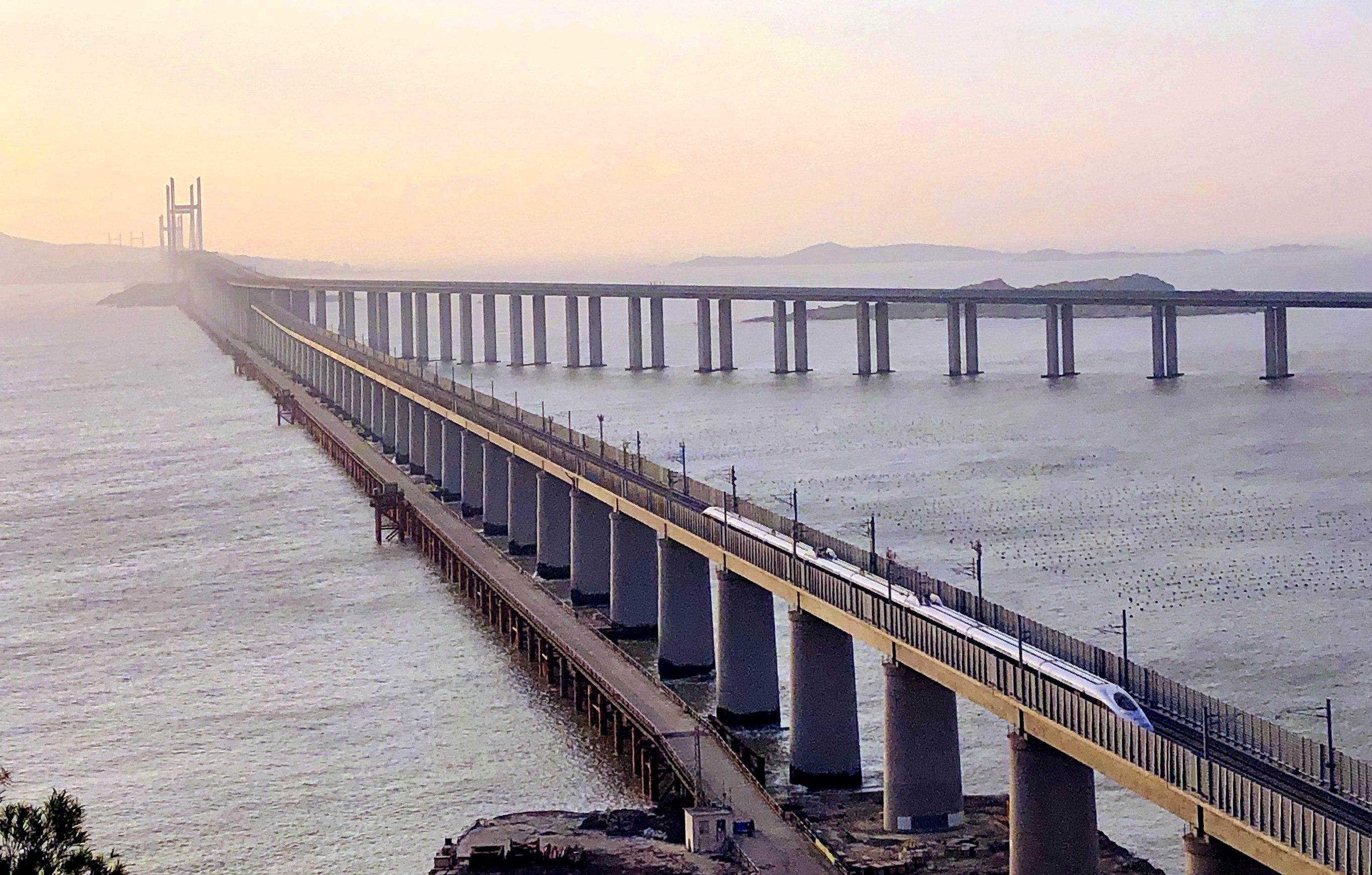 Railway connects Pingtan to mainland