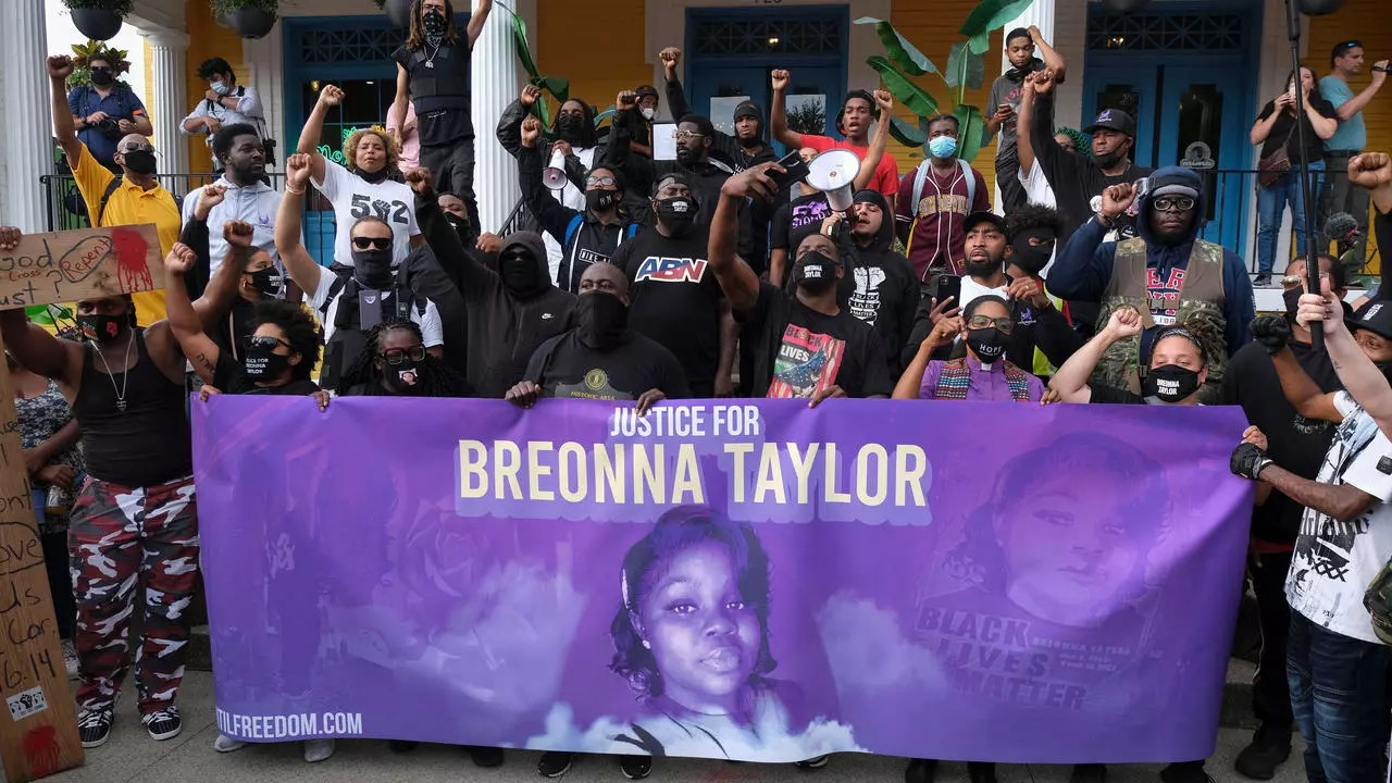 Police officers involved in Breonna Taylor case fired