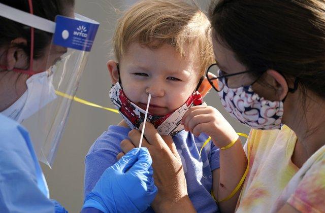 US reports over 2 mln child COVID-19 cases