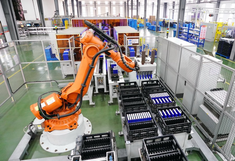 China's PMI hits 51.9 in Dec, sustaining expansion for 10 consecutive months