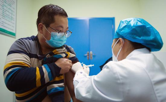 Emergency use of COVID-19 vaccines expands to larger scale