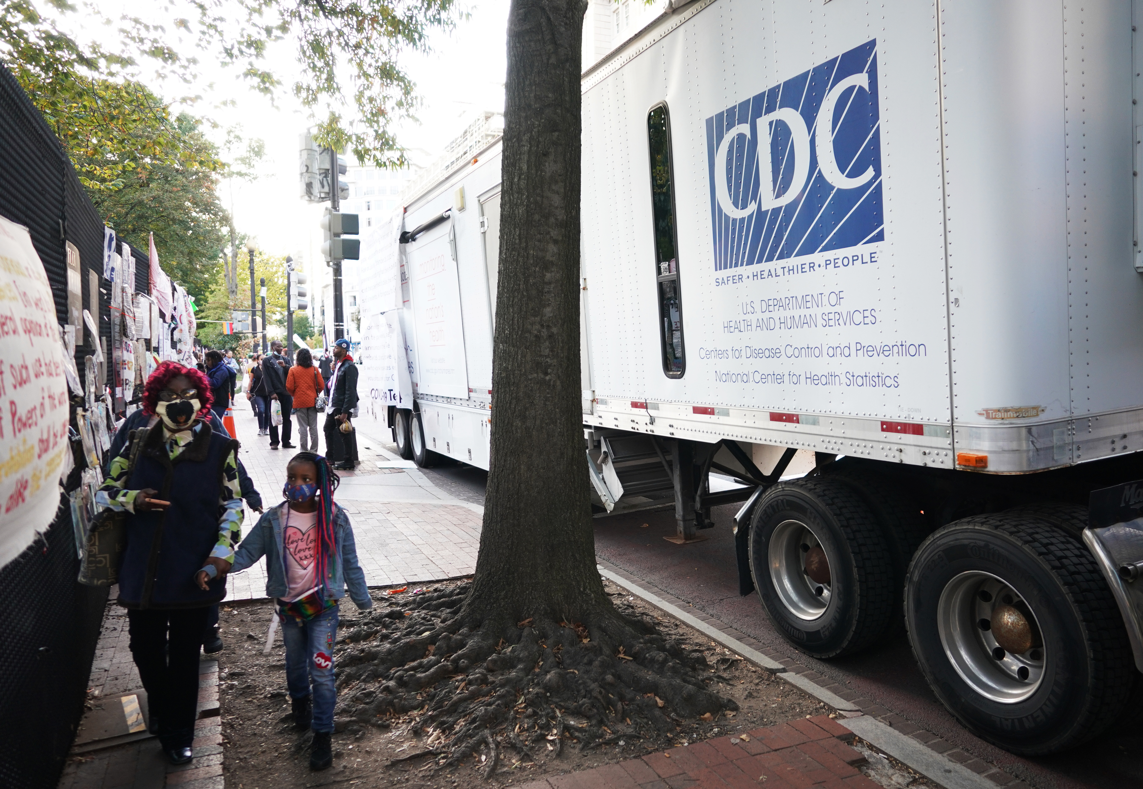 New COVID-19 variant found in Britain transmitted person-to-person in US: CDC