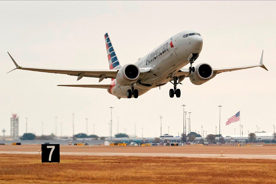 US carrier launches 1st Boeing 737 MAX flight