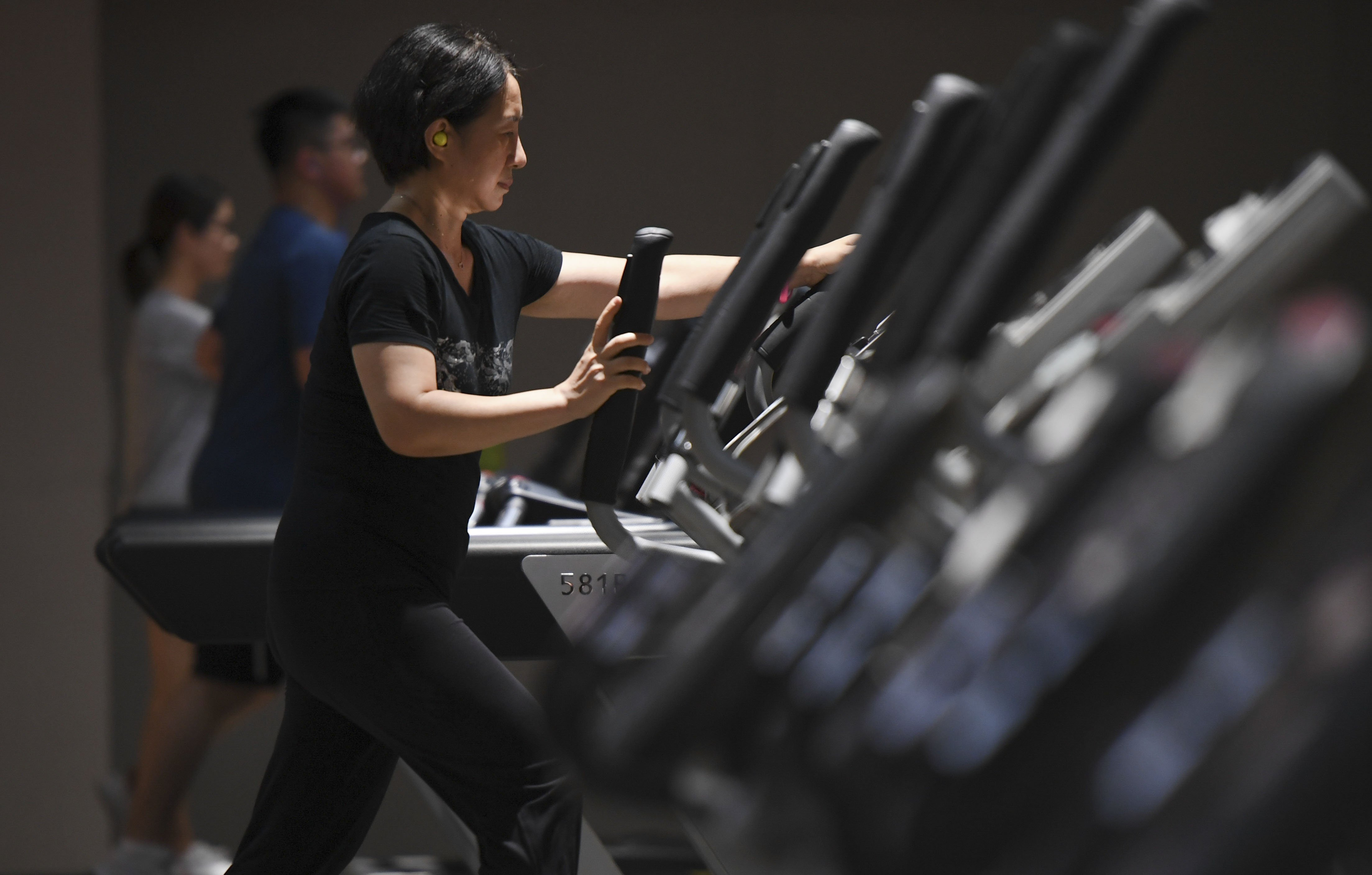 Shanghai sets cooling-off period for gym membership
