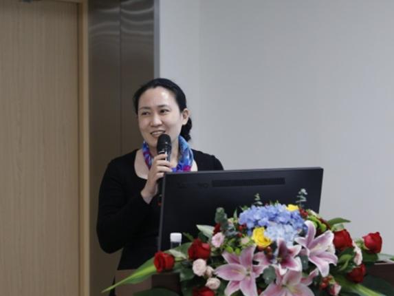Wuhan's hero doctor accuses eye hospital of causing her near blindness of right eye