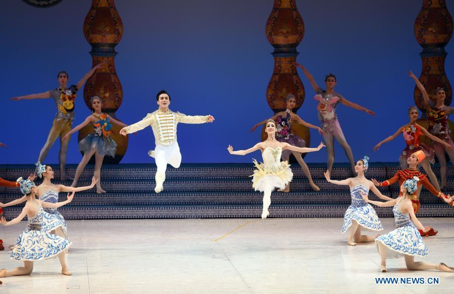 """Localized version of classic ballet """"The Nutcracker"""" staged in Beijing"""