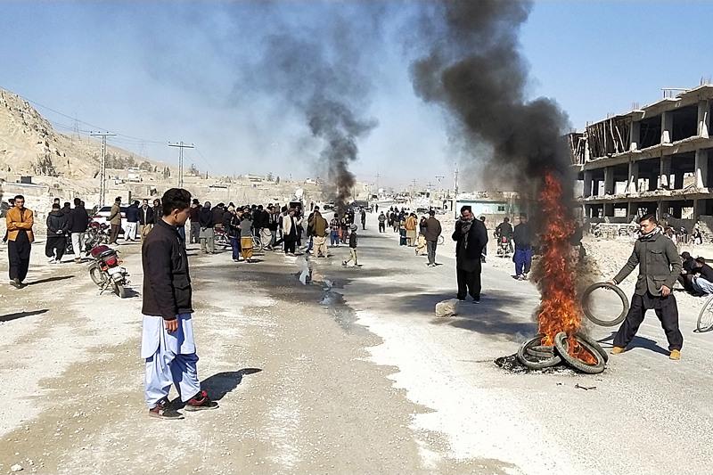 Militants kill 11 laborers in SW Pakistan