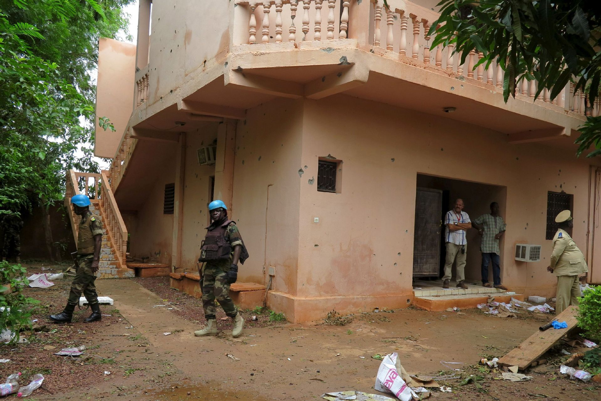 Bomb kills two French soldiers in Mali