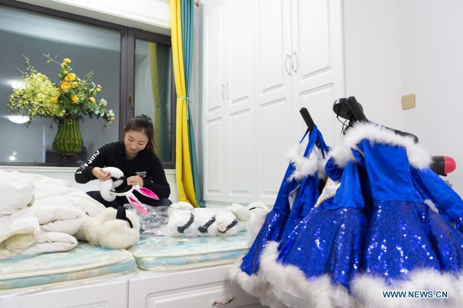 Dancer witnesses development of Harbin Ice-Snow World