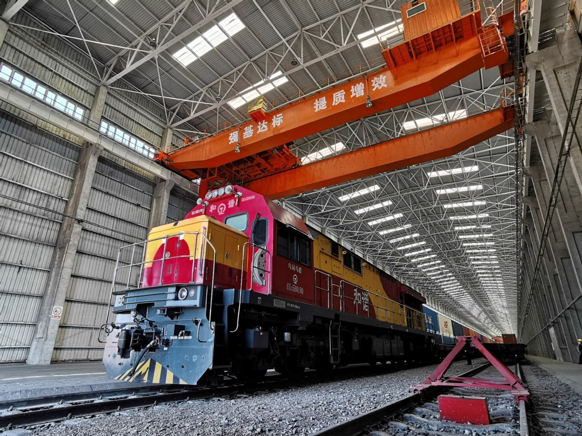 China-Europe freight trains via Xinjiang hit record high in 2020