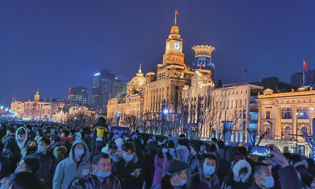 Super spreaders, 'fake negatives' become major test for China before Spring Festival