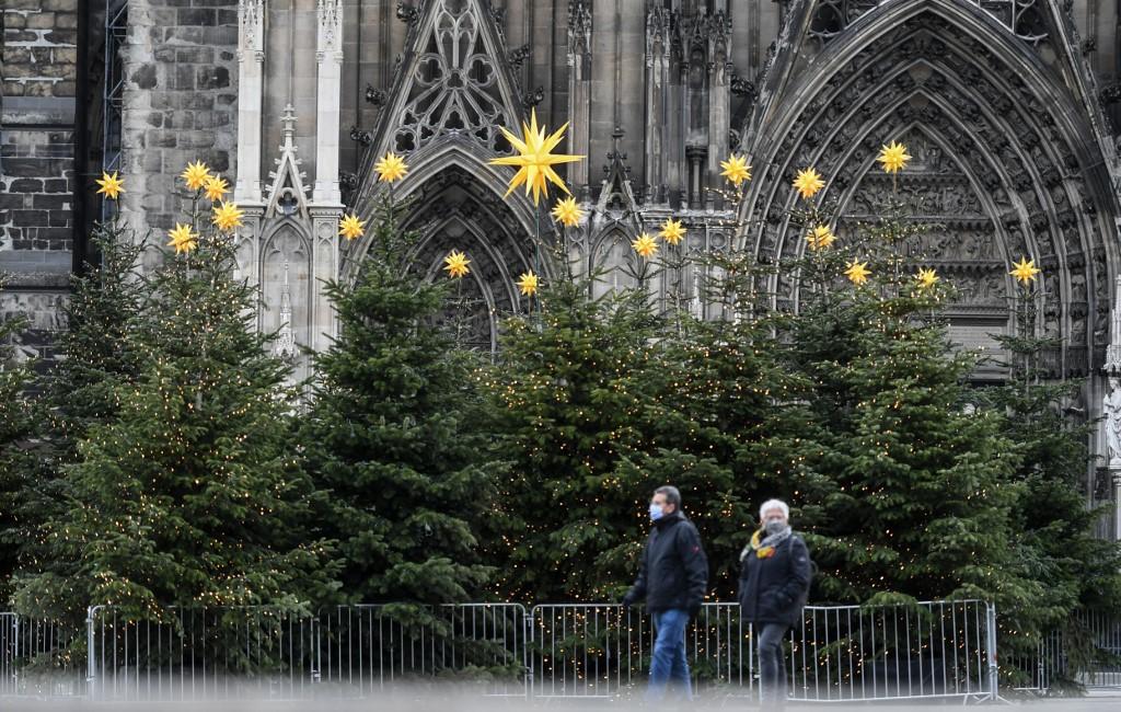 Germany to prolong shutdown as virus deaths surge