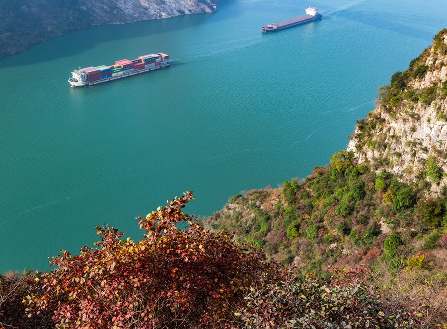 Environment of Yangtze changes course for better