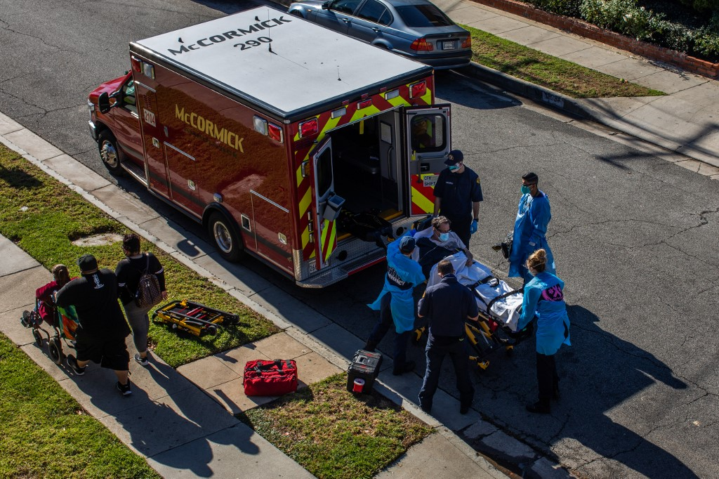 US logs more than 3,900 COVID deaths in new 24hr record: Johns Hopkins