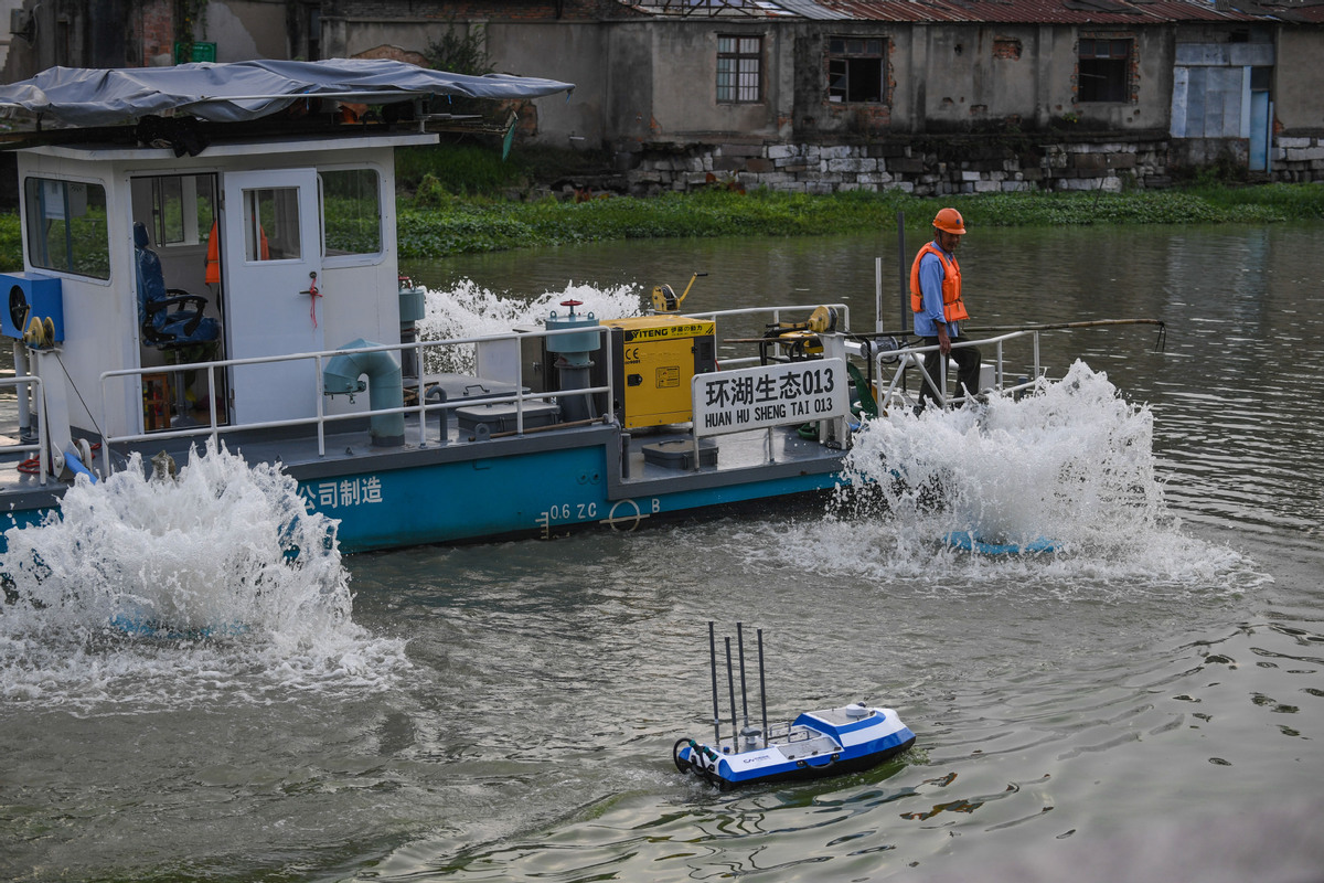 Drones and robots among high-tech measures cleaning up Yangtze