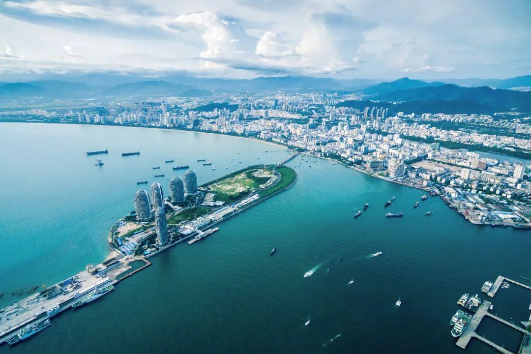 The Hainan Free Trade Port will cooperate, not compete, with Hong Kong
