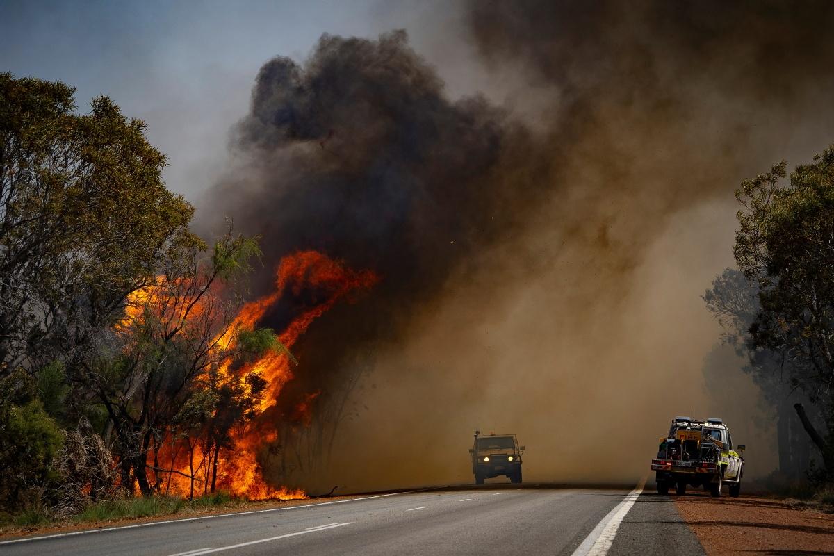 Mega fires ring alarm on climate