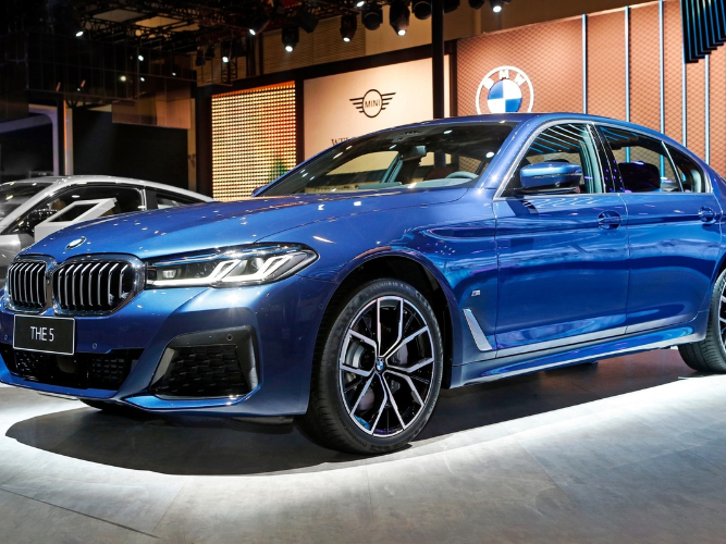 BMW sees best China sales in 2020