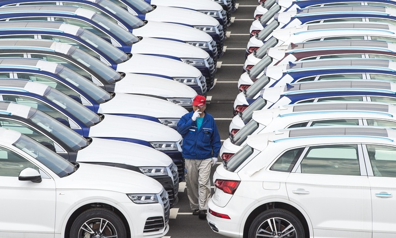 China's auto sales dropped 1.9% in 2020, likely to see growth this year: association